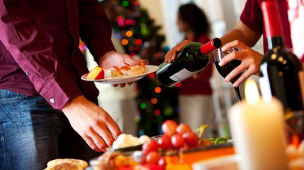 6-Essentials-For-Your-Holiday-Get-Together
